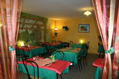 Rue De La Mairie Saint Julien Du Sault Restaurant